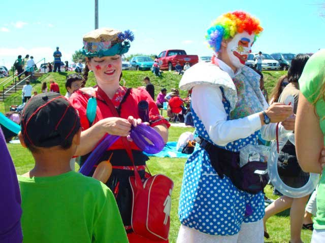 More Fun with Clowns and Balloons, Canadian Entertainment