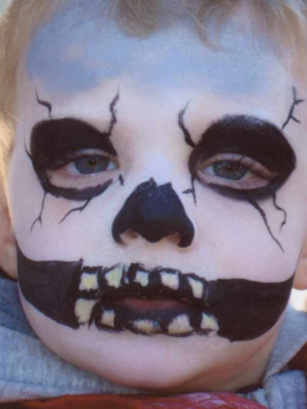 Halloween Skeleton Country Festival, Canadian Community Event