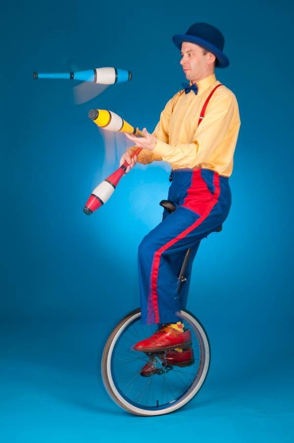 Master Juggler extraordinaire,Toronto, Ontario