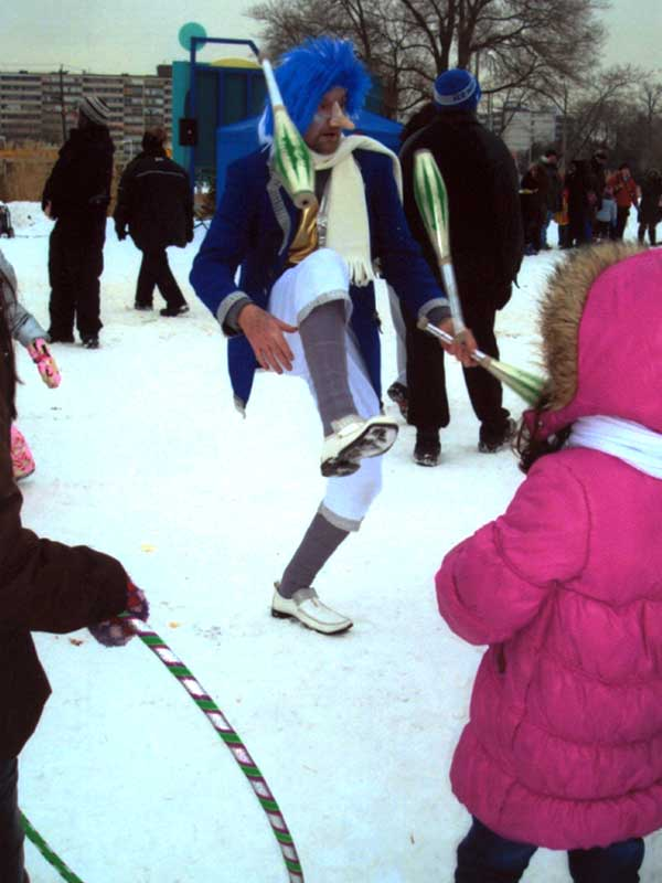 Jack Frost Captivating with his Juggling Skills