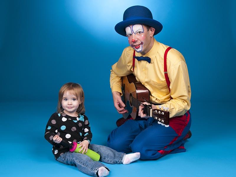 Unbelievably talented guitarist, Fun Events, Toronto, Ontario,